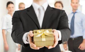 Какими должны быть корпоративные подарки на Новый год коллегам
